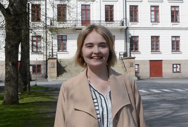 Ida-Helena Patoranta är en av två unga kandidater i Kristinestad.