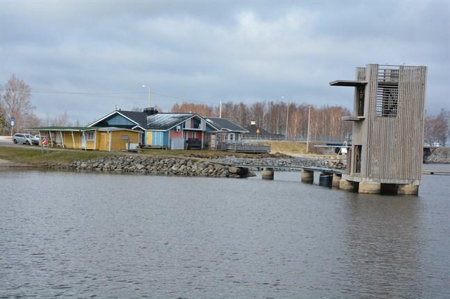 Besvär har lämnats in mot Korsnäs kommunfullmäktige beslut att teckna aktier i fastighetsbolaget Molpe Strömmen, som äger fastigheten där restaurangen i Molpe verkar.
