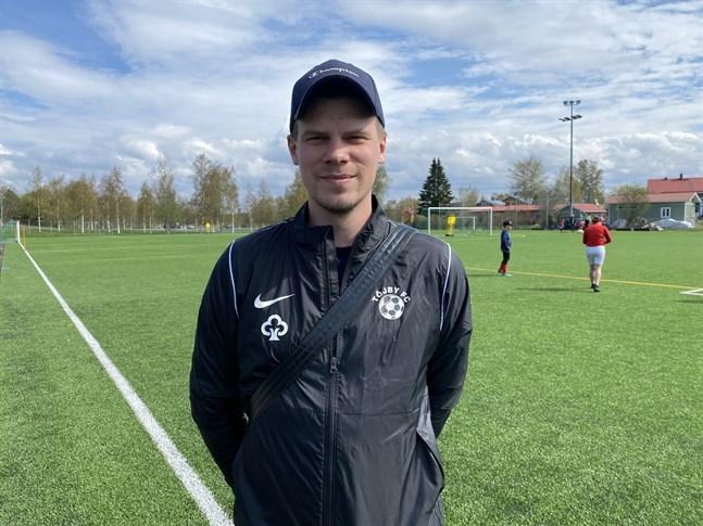 Joakim Kaas är ny tränare för Töjby FC. Han har en bred trupp att tillgå i årets fotbollsfemma.