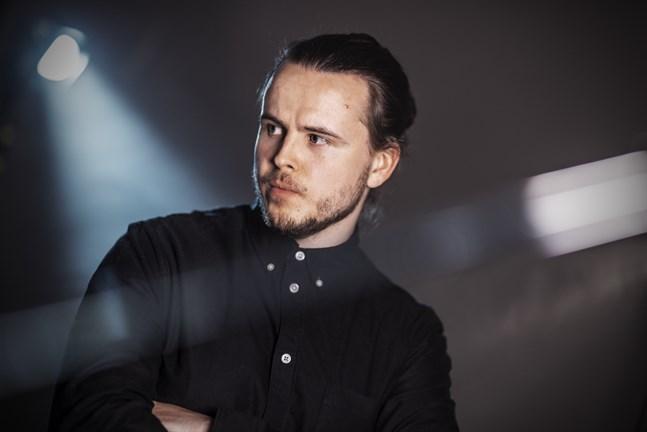 """Trummisen Victor Nyblom släppte sin första ep med bandet New Bloom den 28.5.2021. Titeln är """"Airwaves""""."""