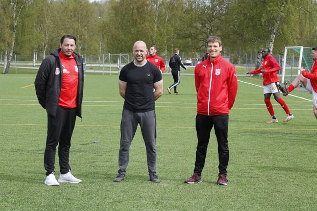 Richard Lähteenmäki, till vänster, Kim Hautaviita och Anthony Hannus leder Sporting Kristina denna säsong.