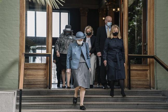 Drottning Margrethe besökte Glyptoteket när museet öppnade den 21 april, bland annat med en utställning med verk av Auguste Rodin.