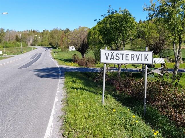 Eftersökningarna äger rum i Västervik.