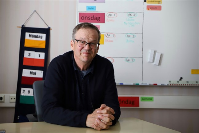 – Den viktigaste appen är lärarna. De förmedlar kunskap och finns till hands för eleverna, säger Jan-Henrik Häggdahl efter 37 år som lärare.