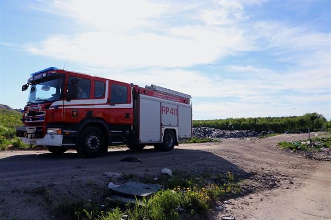 Varmt väder kan ha startat branden vid Stormossen strax efter klockan 16 på onsdagen.