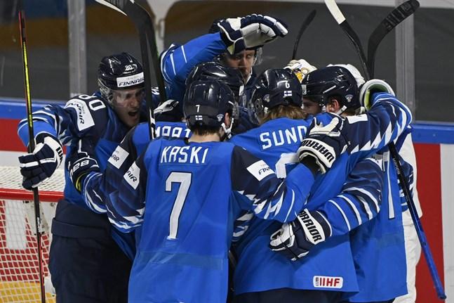 Finland har slagit ut Tjeckien ur VM. Semifinal mot Tyskland väntar på lördag kväll.