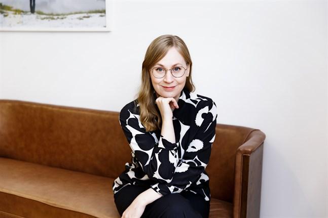 Annukka Vähäsöyrinki, uppväxt i Karleby, är verksamhetsledare för Konstnärsgillet i Finland.