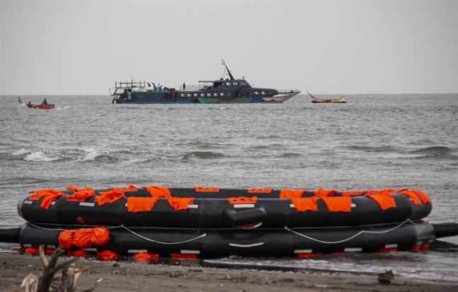 Båten med flyende rohingyer ombord som efter 113 dagar till sjöss nått land.