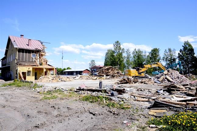 Det är inte omöjligt att ett höghus kan stå här på tidigare Närpes Brödfabriks tomt i framtiden.