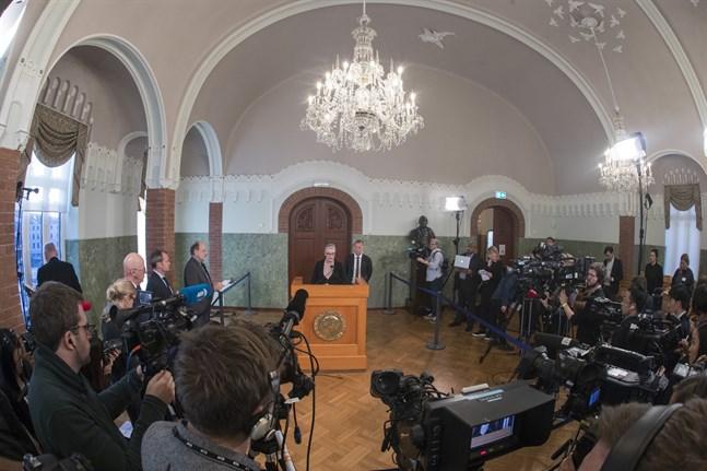 Den norska Nobelkommitténs ordförande, Berit Reiss-Andersen, offentliggör pristagaren av Nobel fredspris på Nobelinstituttet i Oslo. Arkivbild.