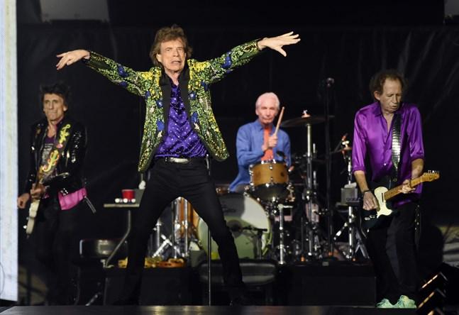 Rockarna i The Rolling Stones sätter press på sin regering för att få bättre villkor från strömningstjänsterna.