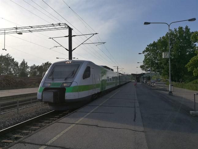 Tågtrafiken kan påverkas av strejken vid Destia.