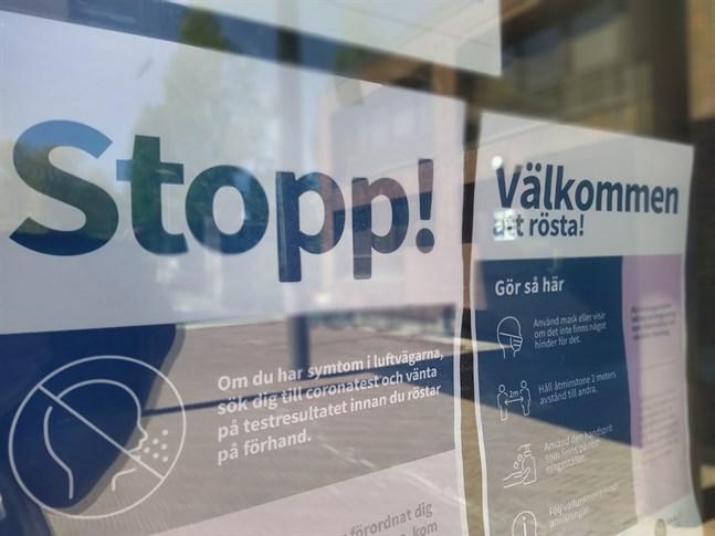 Stopp – och välkommen. På måndagen hade 21 procent av de röstberättigade i Närpes röstat. Sista chansen att förhandsrösta är i dag tisdag.