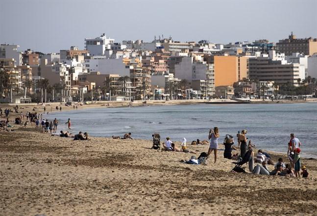 Förhoppningen är att Mallorcas stränder kommer att bli mer folkfyllda än så här i sommar. Bild från i slutet av mars i år.