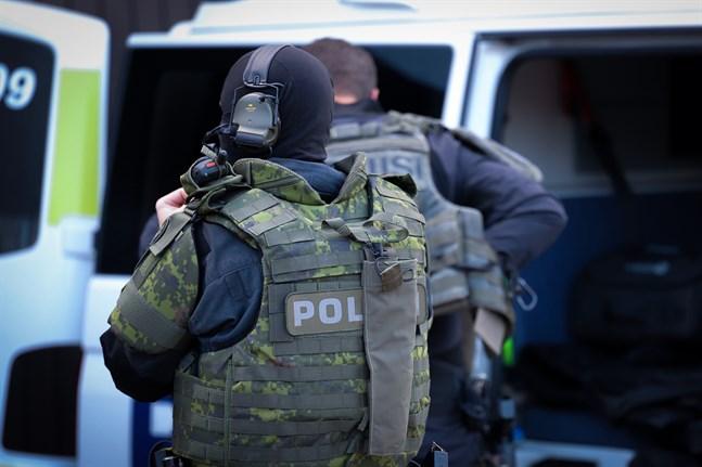 Polisen genomförde på måndagen flera operationer i samband med de misstänkta narkotikabrotten.