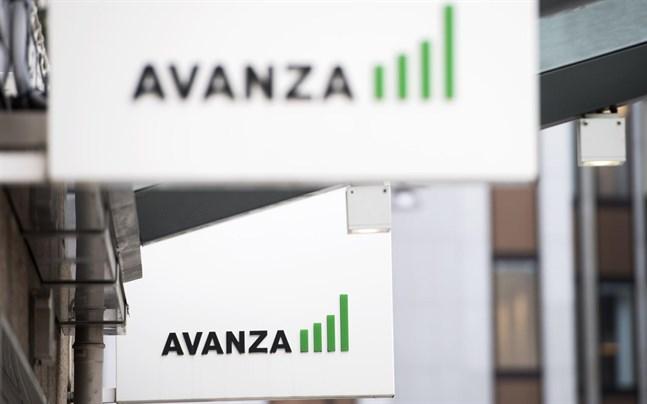 Nätbanken Avanza har delat personuppgifter med Facebook.