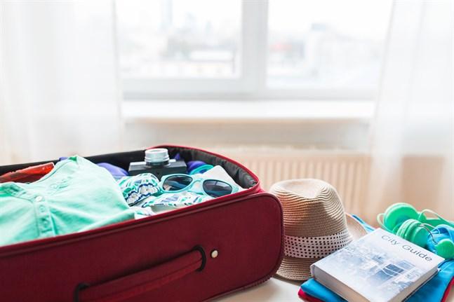 I små steg blir det möjligt att resa igen. Stannar du hemma i sommar eller har du andra planer?