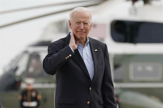 Precis innan president Joe Biden steg på planet mot G7 mötet i Storbritannien lovade han att tillkännage en plan för hur världen ska vaccineras.