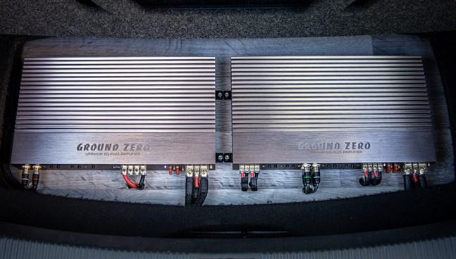 Ground Zero-förstärkare till bas och framsystem hittas i Anders bil.