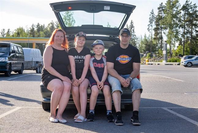 Hannah, Ronja och Melvin Sandell och Tommy Westerlund.