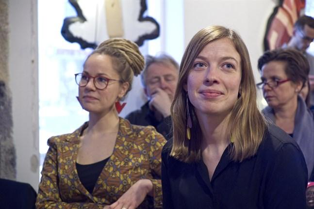 Hanna Sarkkinen (VF) tillträder som social- och hälsovårdsminister och Li Andersson (VF) tar över rollen som undervisnings- och kulturminister i slutet på juni. Arkivbild.