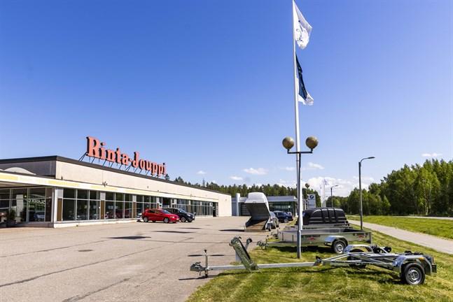 R-J Auto på Högbacken kommer att lägga ned sin verksamhet. Avvecklingen inleds nu och den tar ungefär ett halvt år.