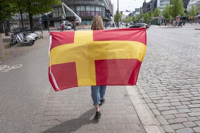 Det finlandssvenska teckenspråket talas endast av omkring 100 döva i Finland.