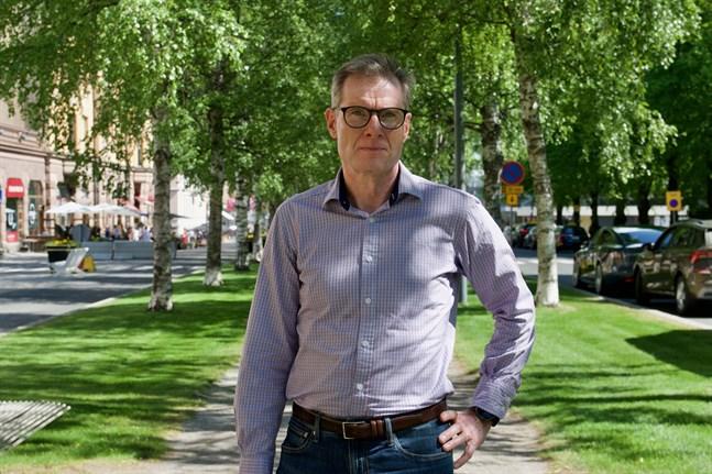 Esa Högnäsbacka, ekonomidirektör i Kaskö, säger att man inte kan förvänta sig mirakel.