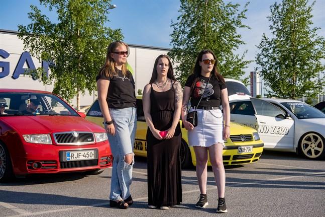 Nelly Huima, Sandra Smedslund och Heidi Björklund önskar mer förståelse av omgivningen.