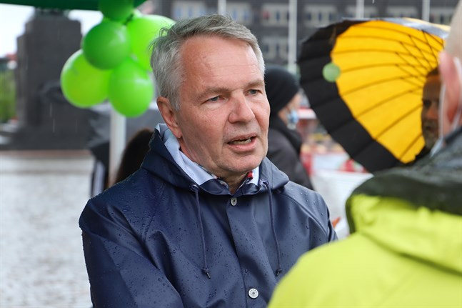 Utrikesminister Pekka Haavisto (Gröna) besökte Vasa på lördagen.