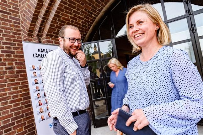 Antti Koivukangas och Heidi Matinlassi är två nya SFP:are i Jakobstadsfullmäktige.