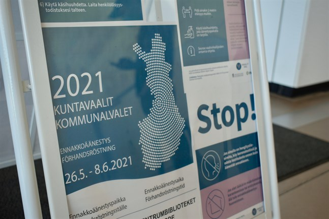 Över 300 kommuner på fastlandet och på Åland valde ny kommunfullmäktige på söndagen.