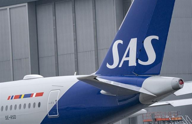 Ett SAS-plan fick in en fiskmås i motorn i samband med landning.