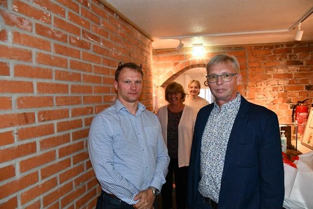 SFP-kvartetten Thomas Söderlund, Carina Storhannus, Ida-Helena Patoranta samt röstkungen Mikael Hoxell blev invalda i det nya Kristinestadsfullmäktige.