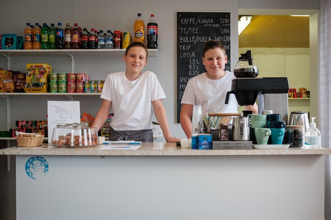 Linus och Casper Öst är egenföretagare trots att de bara är 15 och 14 år.