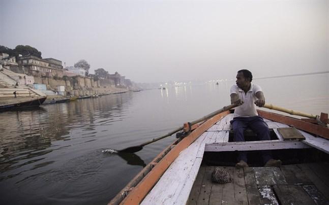 Barnet hittades på floden Ganges i norra delarna av Uttar Pradesh.