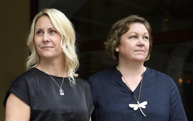 """Svägerskorna Jennie Lundgren och Ulrika Lundgren Lindmark debuterar med deckaren """"Där isarna råmar"""", den första boken i en serie som utspelar sig kring Bottenviken."""