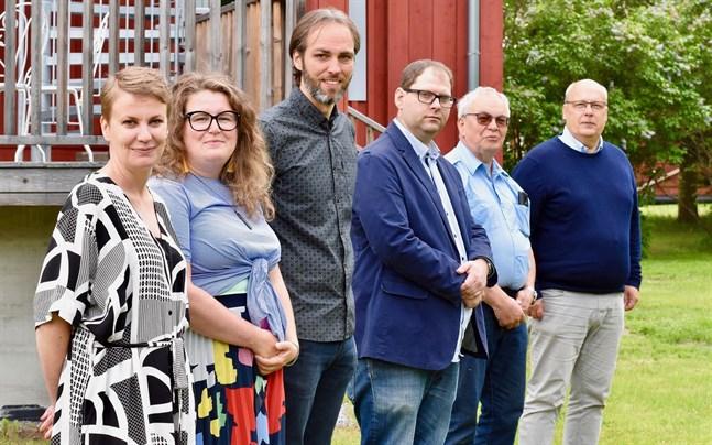 Therese Sunngren-Granlund, Ida Haapamäki, Kenneth Nordberg, Magnus Enlund, Håkan Nylund och Tom Holtti ser fram emot projektet som undersöker varför vissa väljer att stanna kvar på landsbygden.