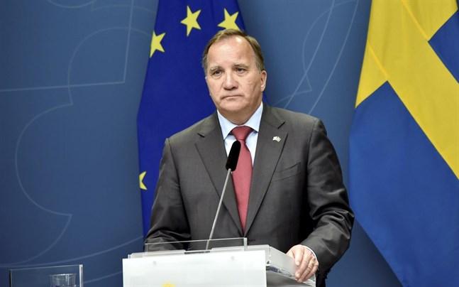 Pressträff med statsminister Stefan Löfven och Kommunals ordförande Tobias Baudin under fredagen.
