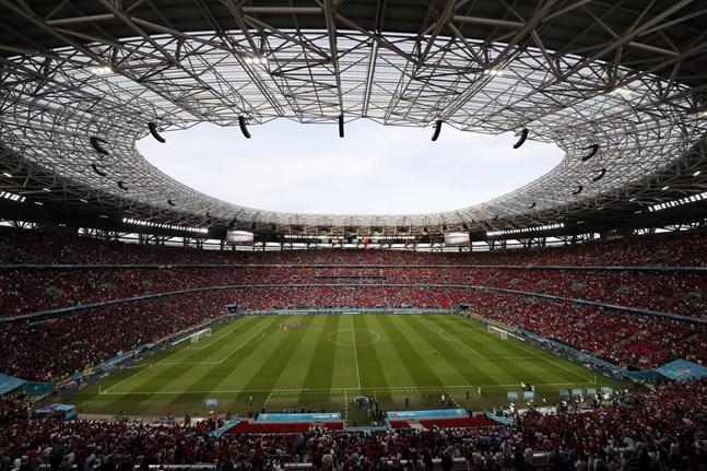 55662 åskådare såg gruppspelsmötet mellan Ungern och Portugal (0–3) på Ferenc Puskás-stadion i Budapest, enligt Uefas matchprotokoll.
