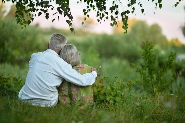 Det finns något osjälviskt i kärleken, något som kan bli till mellan två människor. Något som kan växa och bli starkt om vi tar hand om det och vårdar det.