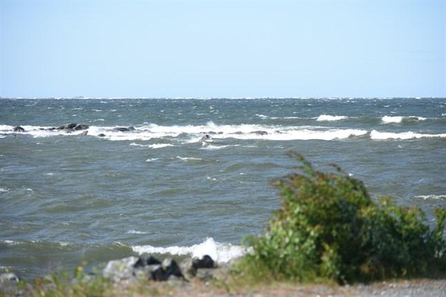 Havsområdet från Molpe till Sideby finns med som potentiellt område för havsbaserad vindkraft. Bilden från fiskehamnen i Nämpnäs.