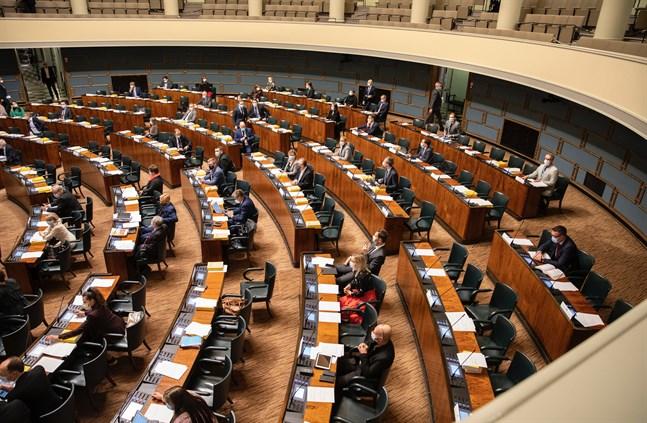 Riksdagen godkände i dag social- och hälsovårdsutskottets betänkande om vårdreformen.