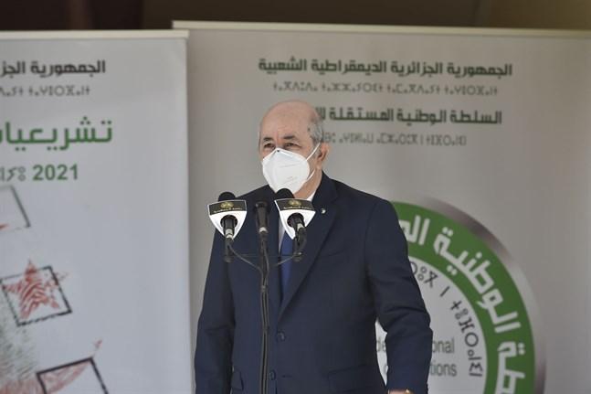 Algeriets president Abdelmadjid Tebboune (bilden) får möjlighet att utse en ny premiärminister efter att premiärminister Abdelaziz Djerad har avgått.