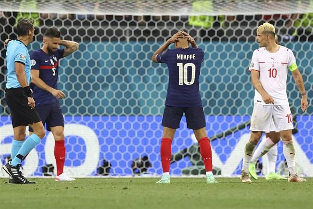 Kylian Mbappé brände en straff och Frankrike är utslaget.