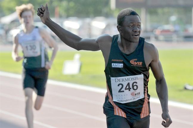 Ive Ntumba gick i mål som tvåa på 100 meter i Jämsänkoski.