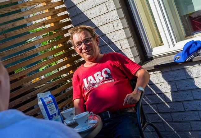 Antti Aaltonen trivs med att rå om sig själv. På vardagarna jobbar han vanligen på Intek, men den 2 juli tar han ledigt. Då ska han fira sina 60 år med alla vänner som vill komma.