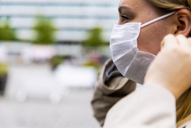 Även om användningen av munskydd endast är en rekommendation är den viktig att följa, säger Vasa stads ledande överläkare Heikki Kaukoranta.