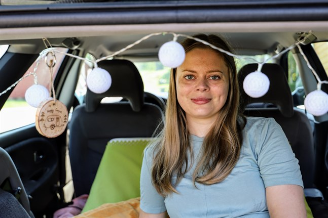 Maria Norrgård tänker tillbringa sin semester i hemknutarna. Det känns bäst så.