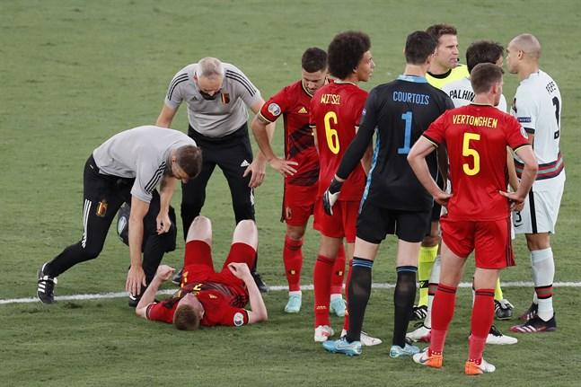 Kevin de Bruyne och Eden Hazard kan missa EM-kvartsfinalen mot Italien.